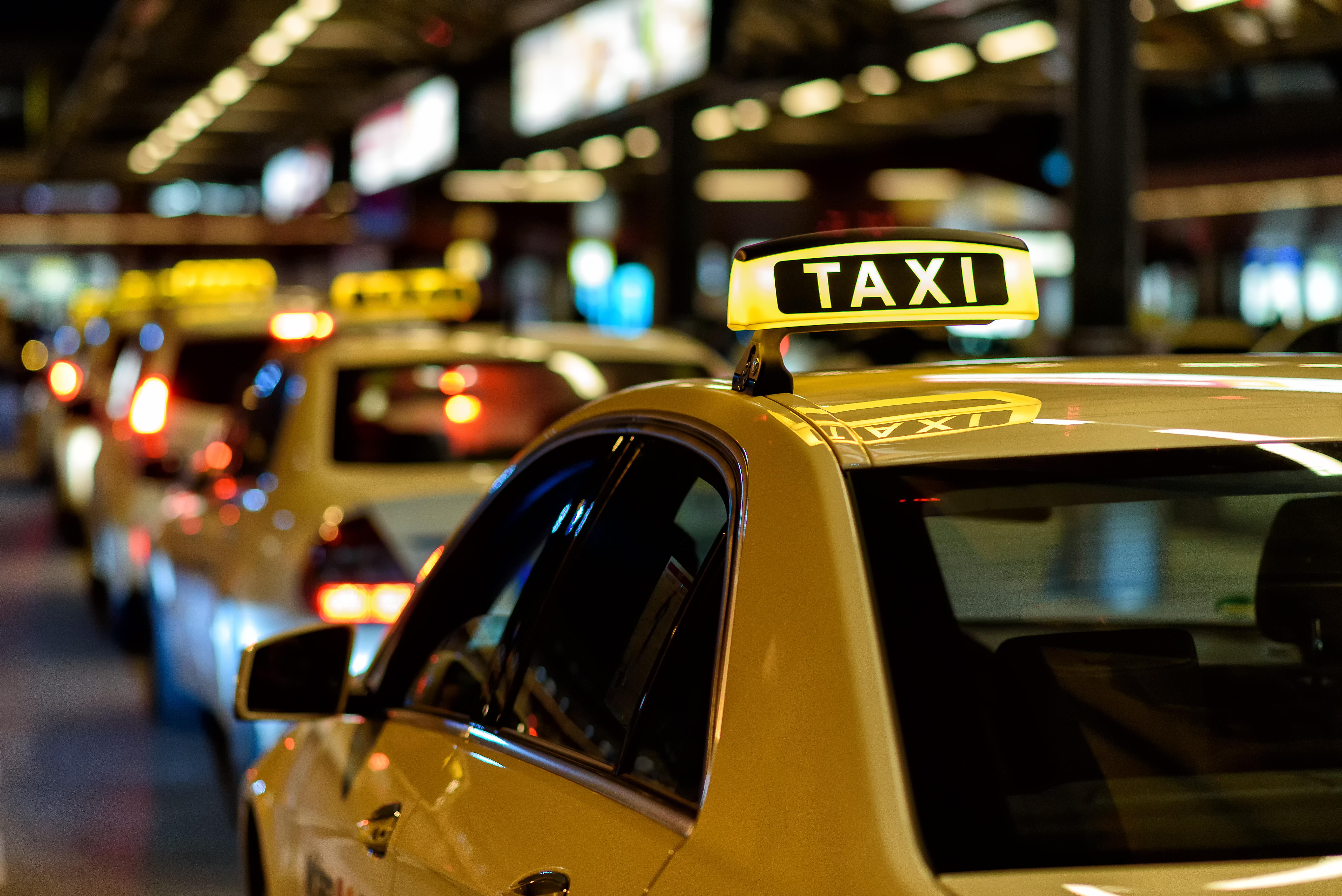 並ばない!待たない!オトクに乗れる!タクシーアプリ3選